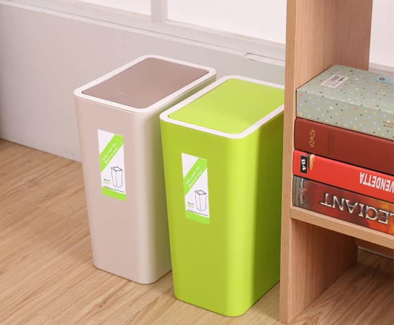8 Lは型のゴミ箱を押します